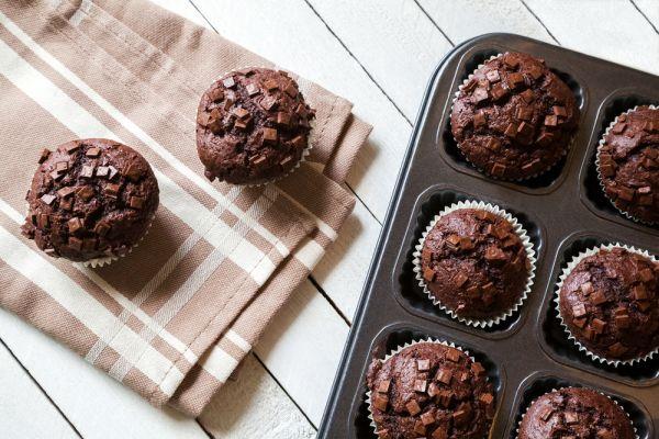 Η πιο εύκολη συνταγή για σοκολατένια muffins | imommy.gr