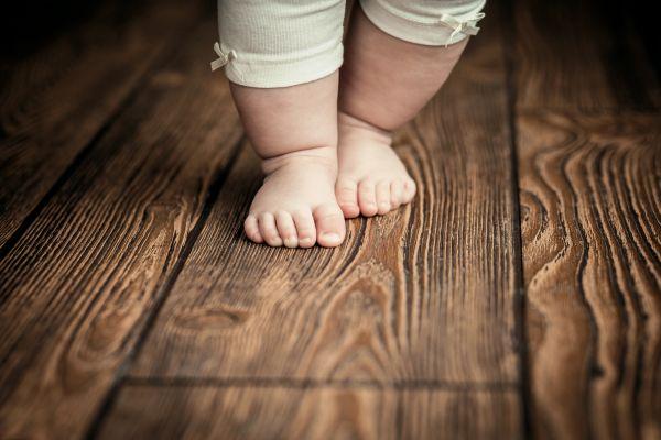 Πώς θα το βοηθήσω να κάνει το πρώτο του βήμα; | imommy.gr