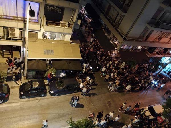 Χαμός και πάλι στη Θεσσαλονίκη: Συνωστισμός έξω από μπαρ με take away ποτά | imommy.gr