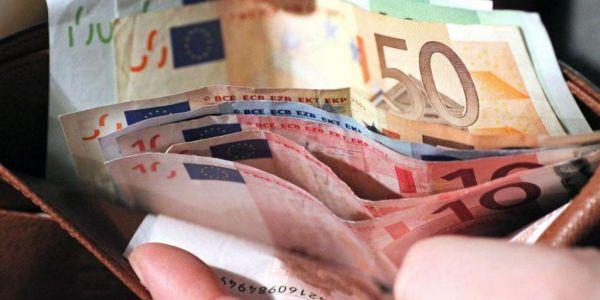 Επίδομα 800 ευρώ : Σε δύο δόσεις οι πληρωμές στις ειδικές κατηγορίες | imommy.gr