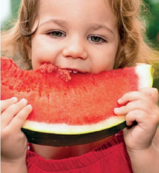 Παιδιά: Πώς θα ωφεληθούν από τα καλοκαιρινά φρούτα;   imommy.gr