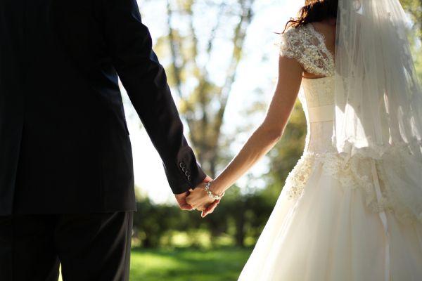 Αυτό το ζώδιο σκέφτεται τον γάμο από το πρώτο κιόλας ραντεβού | imommy.gr