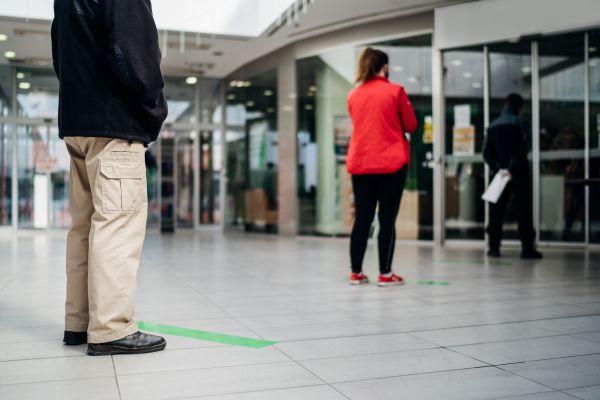Κοροναϊός: Σφάλματα στην έρευνα του ΠΟΥ για την απόσταση των δύο μέτρων, εντόπισαν επιστήμονες | imommy.gr