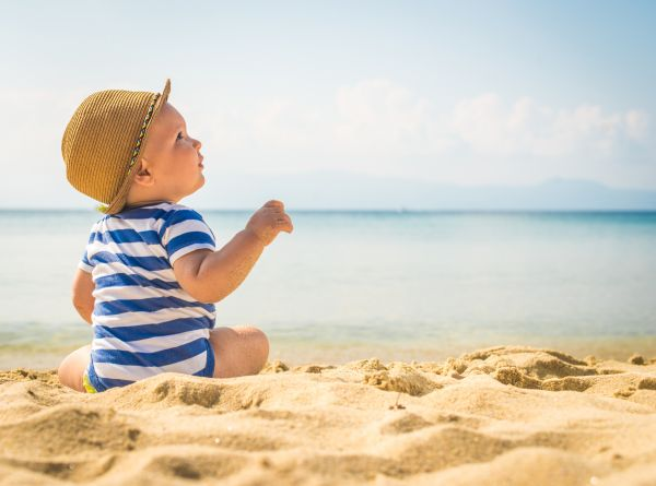 Πρώτο καλοκαίρι με το μωρό: Τι πρέπει να προσέξετε | imommy.gr