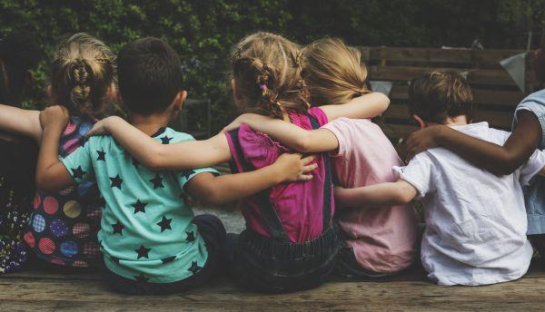 Αν όλα τα παιδιά της γης: Μεγαλώνοντας παιδιά που σέβονται τη διαφορετικότητα | imommy.gr