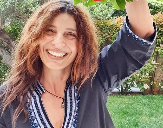 Ελένη Τσαπανίδου: «Μέσα στις μεγαλύτερες καταστροφές πάντα γελάς» | imommy.gr