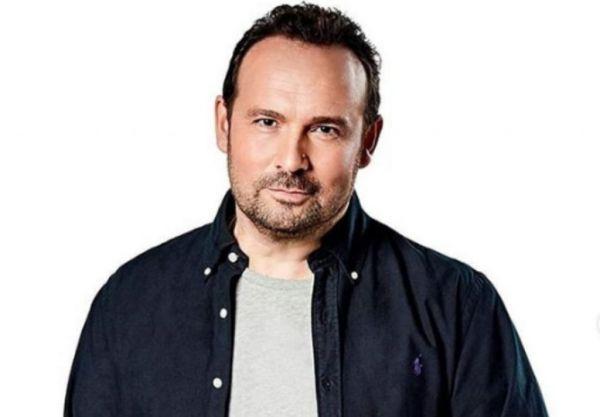 «Μίνι Καύσωνας»: Ο Κώστας Μακεδόνας μιλά για το τραγούδι | imommy.gr