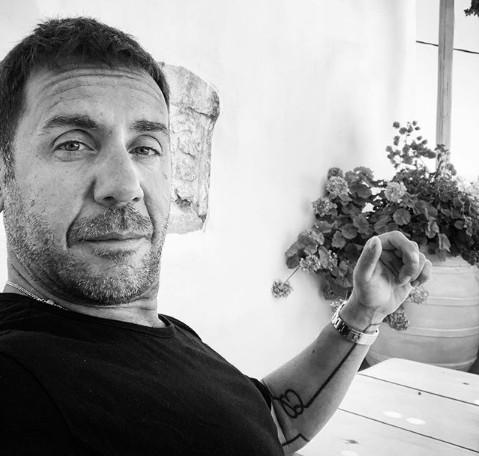 «Μίνι Καύσωνας»: Η πρωτοβουλία του Γιώργου Μαζωνάκη για το μπουζούκι | imommy.gr