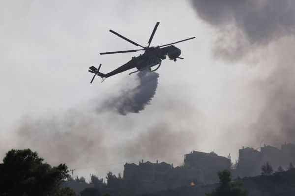 Σε εξέλιξη για τρίτη μέρα η φωτιά στις Κεχριές Κορινθίας | imommy.gr