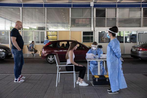 Κοροναϊός: Ανησυχία για τα εισαγόμενα κρούσματα – «Καμπανάκι» για την χαλαρότητα των πολιτών | imommy.gr