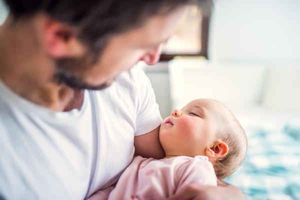 Πρώτη φορά μπαμπάς: Πέντε τρόποι να συνδεθείτε με το νεογέννητο | imommy.gr