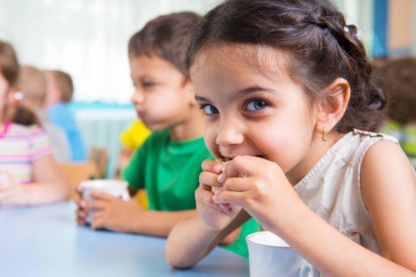 Θρεπτικά σνακ για το παιδί | imommy.gr