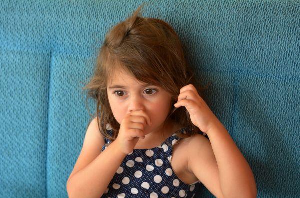 Πώς θα σταματήσει το παιδί να πιπιλάει το δάχτυλό του; | imommy.gr