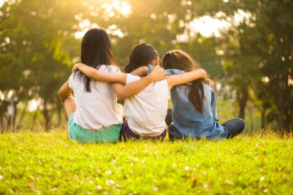 Βοηθώντας το παιδί να κατανοήσει την έννοια της φιλίας | imommy.gr