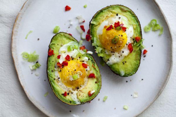 Υγιεινό πρωινό: Αβοκάντο με αυγό | imommy.gr