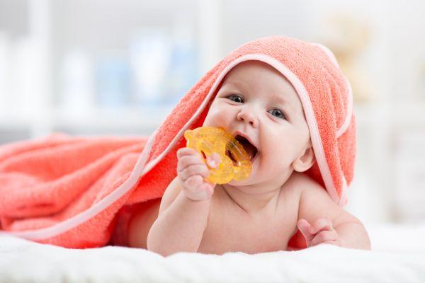 Πότε βγαίνουν τα πρώτα δοντάκια του μωρού; | imommy.gr