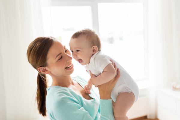 Πώς μπορώ να καταλάβω ότι το μωρό μου είναι χαρούμενο; | imommy.gr