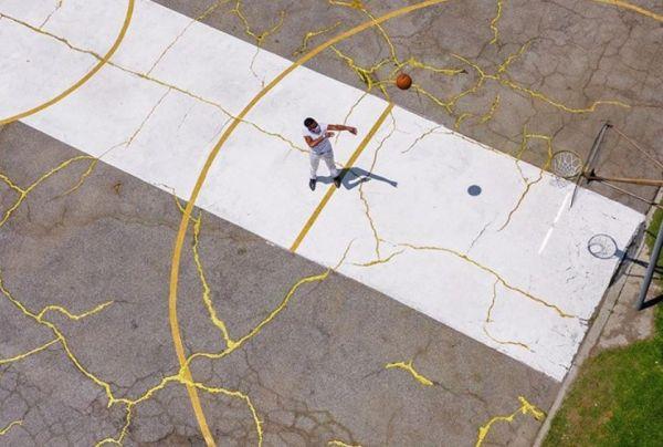 Πώς φτιάχνεται ένα «ραγισμένο» γήπεδο μπάσκετ;   imommy.gr