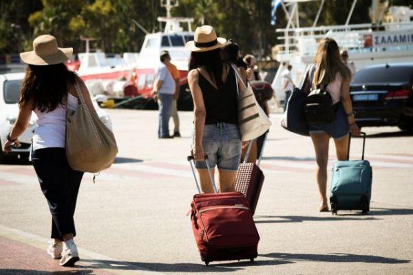 Λιμάνια Πειραιά και Ραφήνας: Δειγματοληπτικός έλεγχος για τους εκδρομείς που επιστρέφουν | imommy.gr