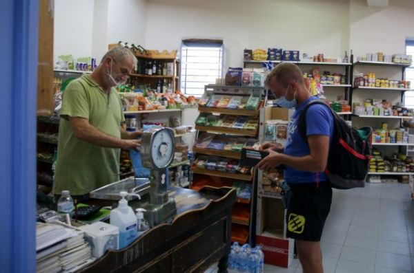 Κοροναϊός: Ανησυχία για την αύξηση των κρουσμάτων – «Καμπανάκι» για τους νέους | imommy.gr