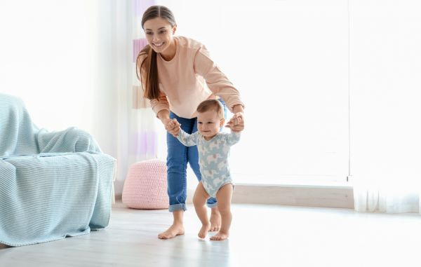 Πώς θα βοηθήσω το μικρό μου να περπατήσει; | imommy.gr