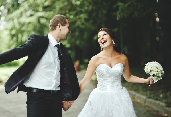 Πώς συνδέεται ο γάμος με την ευτυχία   imommy.gr