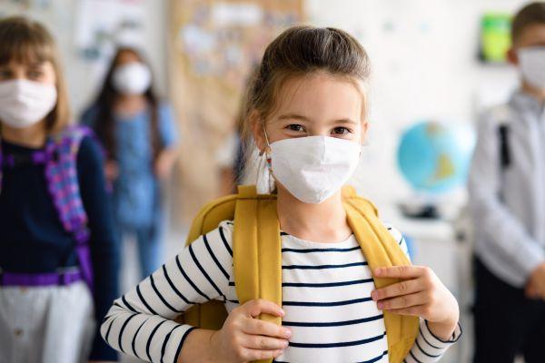 Υπεγράφη η απόφαση προμήθειας μασκών σε μαθητές και καθηγητές | imommy.gr