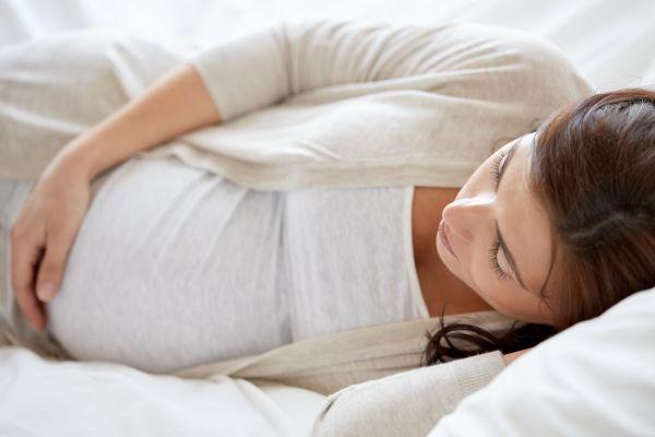 Γιατί δυσκολευόμαστε να κοιμηθούμε στην εγκυμοσύνη; | imommy.gr