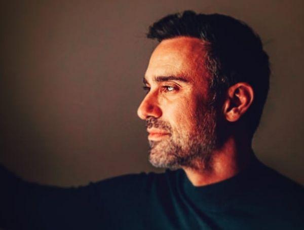 Γιατί απολογήθηκε ο Γιώργος Καπουτζίδης; | imommy.gr