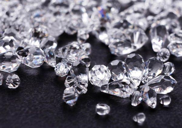 Ένα από τα σπανιότερα διαμάντια στο κόσμο στο «σφυρί»   imommy.gr