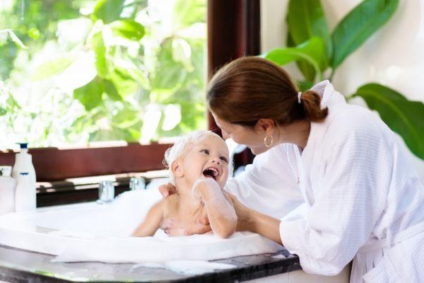 Επτά tips που μετατρέπουν το μπανάκι του μωρού και του νηπίου σε απόλαυση | imommy.gr