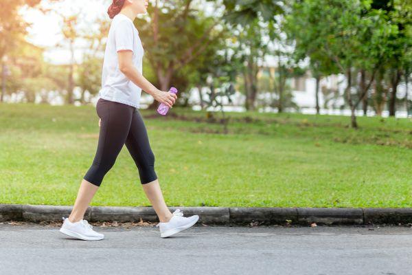 Ποια είναι η ιδανική ώρα για περπάτημα; | imommy.gr