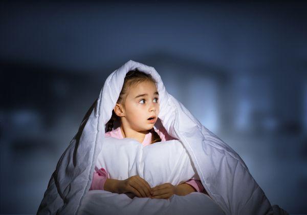 Γιατί το παιδί φοβάται το σκοτάδι; | imommy.gr