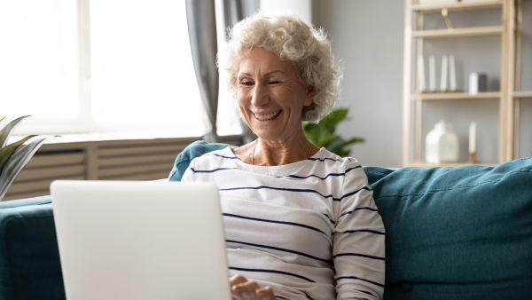 Κοροναϊός: Πώς επηρέασε τη σχέση των ηλικιωμένων με την τεχνολογία;   imommy.gr