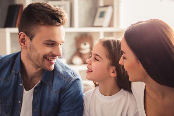Τελικά πρέπει οι γονείς να έχουν ίδια γνώμη για όλα; | imommy.gr
