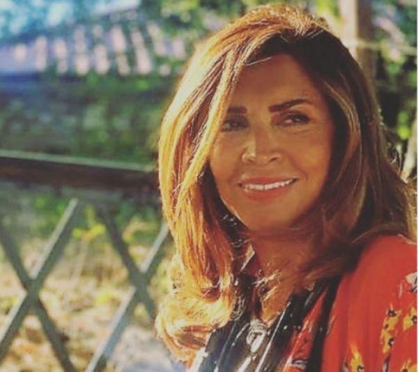 Μιμή Ντενίση: «Η μητέρα μου έφυγε όρθια»   imommy.gr