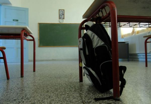 Σοκαριστική καταγγελία: Μαθητές παρακαλούσαν καθηγήτρια να βάλει μάσκα στο μάθημα | imommy.gr
