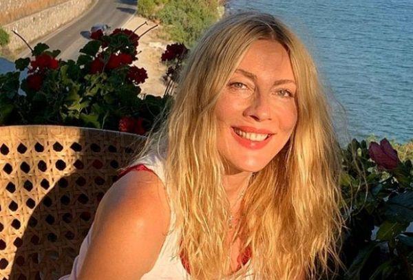 Σμαράγδα Καρύδη: «Αν είχα θυσιάσει έναν έρωτα για μια δουλειά, θα το μετάνιωνα» | imommy.gr
