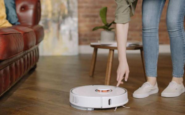 Σκούπες-ρομπότ: Οι νέες τεχνολογίες για καθαρό σπίτι χωρίς κόπο στο άψε-σβήσε! | imommy.gr