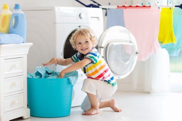 Καθαρίστε το σπίτι μαζί με τα παιδιά | imommy.gr