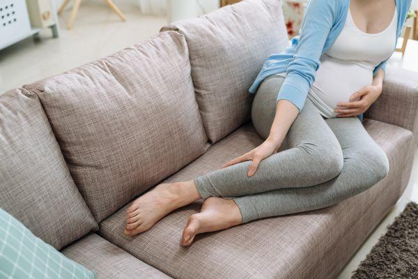 Κράμπες στην εγκυμοσύνη: Που οφείλονται – Πώς θα τις αντιμετωπίσετε | imommy.gr