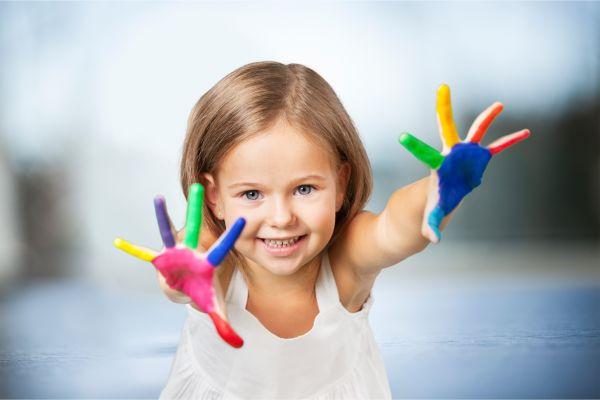 Διασκεδαστικοί τρόποι να μάθετε στο νήπιο τα χρώματα | imommy.gr