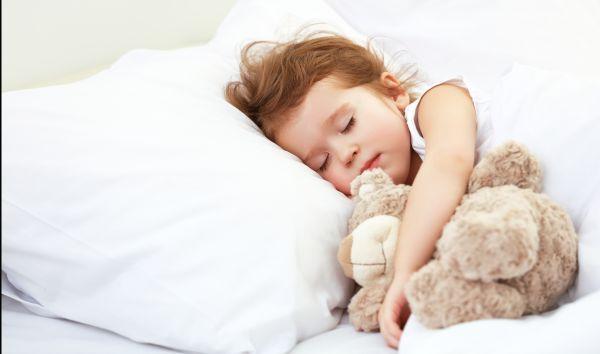 Ποια είναι η καλύτερη ώρα για να κοιμηθεί το παιδί;   imommy.gr