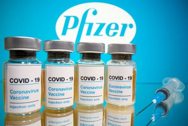 Pfizer: Τι είπαν τέσσερις κορυφαίοι επιστήμονες για το εμβόλιο   imommy.gr