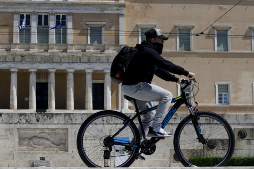 Κοροναϊός: Τρομακτικά σενάρια για 3.000 κρούσματα | imommy.gr