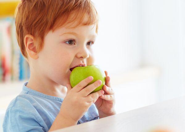 Γιατί τα παιδιά πρέπει να τρώνε περισσότερα φρούτα | imommy.gr