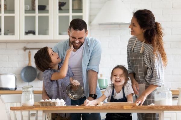 Διασκεδάστε στην καραντίνα μαγειρεύοντας μαζί με τα παιδιά   imommy.gr