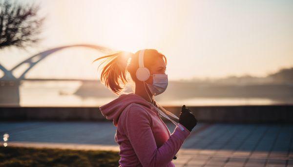 Μάσκα: Πώς μας επηρεάζει όταν γυμναζόμαστε; | imommy.gr