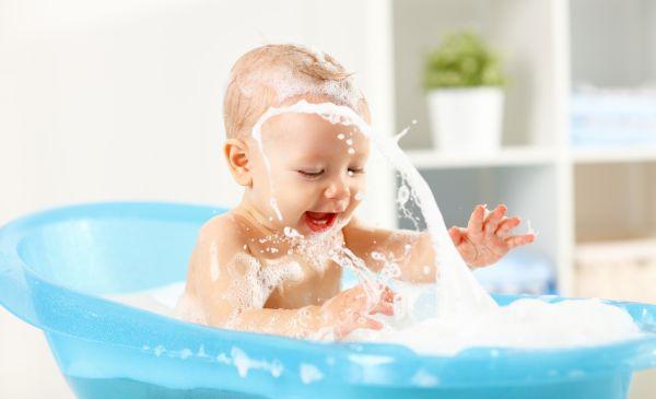 Μωρό: Τι περιλαμβάνει το μπάνιο του; | imommy.gr