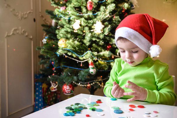 Κατασκευές: Χριστουγεννιάτικο δέντρο.. αλλιώς | imommy.gr